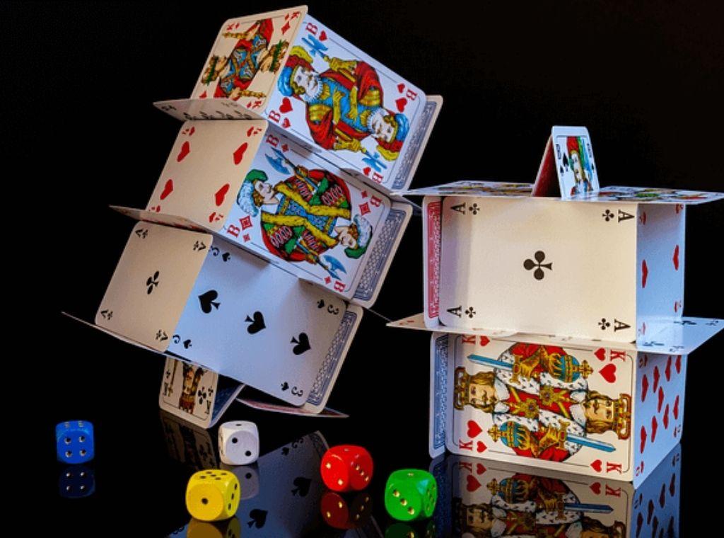 להיות אותנטיים ולחשוף את הקלפים