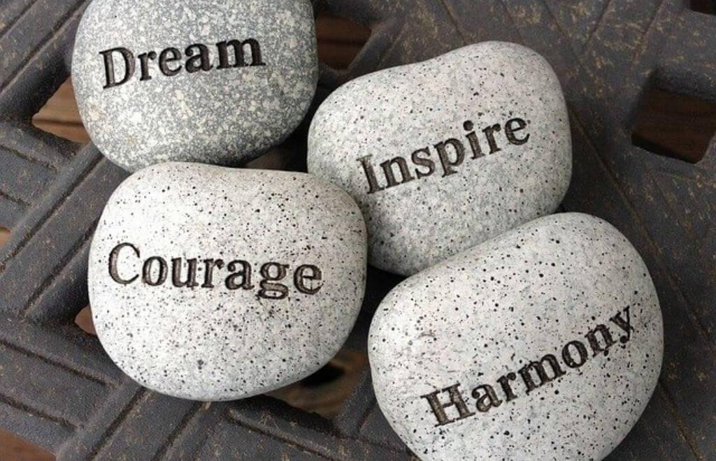 אבנים- השראה, חלום, תקווה